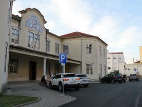 Concluída a reparação do pavimento nos acessos ao Hospital de Torres Vedras