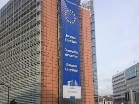 Bruxelas quer criar cartão para facilitar circulação de pessoas com deficiência na UE