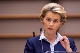 Covid-19: Comissão Europeia quer 27 a iniciar no mesmo dia erradicação do vírus