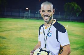 Lourinhanense André Anastácio estreia-se como treinador adjunto no continente americano