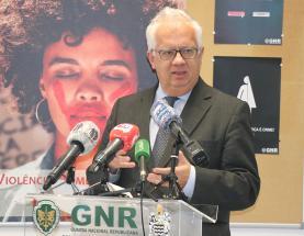 Dia Internacional para a Eliminação da Violência contra as Mulheres: Ministro da Administração Interna, Eduardo Cabrita, esteve esta manhã na Lourinhã