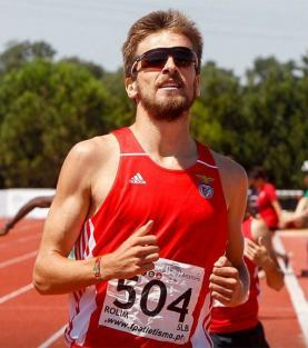 Emanuel Rolim consegue marca de qualificação para os Europeus de pista coberta