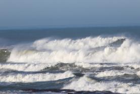 Região Oeste sob aviso amarelo devido à agitação marítima e vento