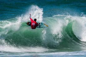 'Pro Santa Cruz presented by Noah Surf House' começou com dia em cheio