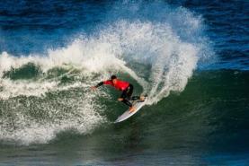 COVID-19: Federação Portuguesa de Surf quer regresso dos surfistas ao mar com regras