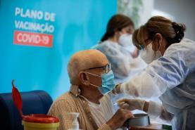 Covid-19: Estudo vai avaliar aceitação e adesão de portugueses à vacina